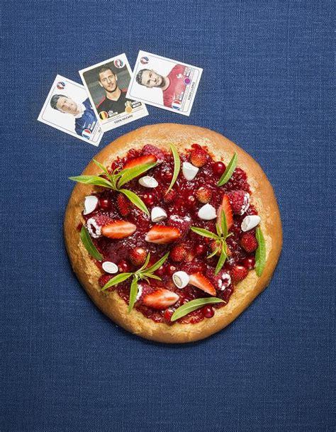 pizza sucr 233 e fraises framboises pour 4 personnes recettes 224 table