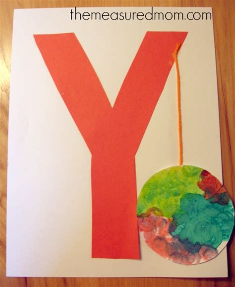 7 letter y crafts and process for preschoolers the 743   letter y craft 2 the measured mom