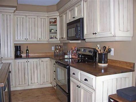 armoire de cuisine en pin armoire de cuisine armoires and cuisine on