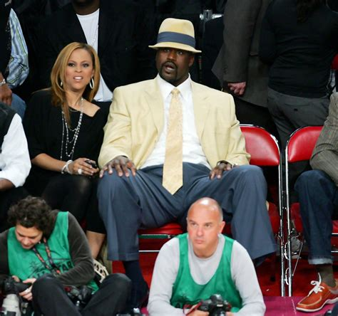 Shaqs Wife Flies To La To File For Legal Seperation