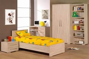Mobilier Chambre Enfant : lit enfant photo 4 10 mobilier en bois pour chambre enfant avec draps ~ Teatrodelosmanantiales.com Idées de Décoration