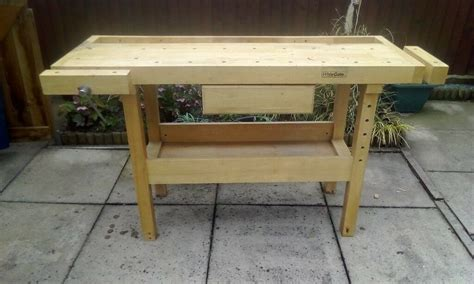 white gate work bench wiod condition  good sturdy bench