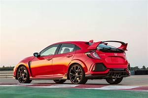 Honda Civic Hatchback : 2017 honda civic type r review driving the most powerful u s honda ever motor trend ~ Maxctalentgroup.com Avis de Voitures