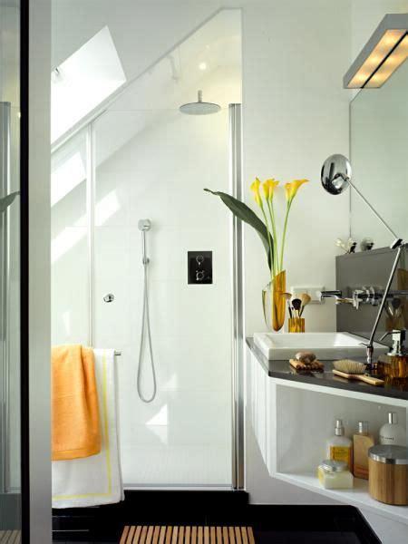 Kleines Badezimmer In Dachschräge by Das Minibad Bad Co Badezimmer Dachgeschoss