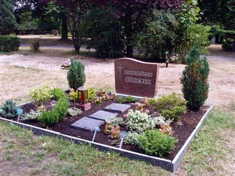 was kostet ein grabstein was kostet ein grabstein mit einfassung erdgrab beerdigungsstelle bestattungen schuster berlin
