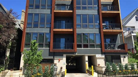 3 bedroom apartments milwaukee wi jackson apartments in milwaukee sell for 3 4