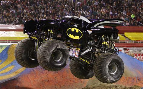 monster trucks video 1500px