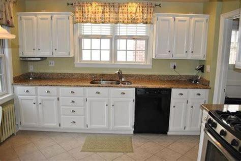 peinture d armoire de cuisine comment actualiser sa cuisine à peu de frais