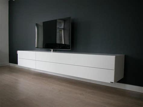 tv meubel hoogglans wit hangend ikea maken een zwevend hoogglans wit tv meubel werkspot