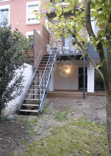escalier métallique extérieur escalier exterieur contemporain