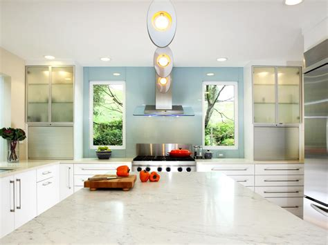 best countertops for white kitchen cabinets white kitchen countertops pictures ideas from hgtv hgtv 9116