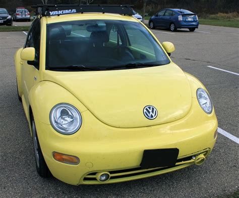 ugly car colors top 5 ugliest car colors ever produced the news wheel
