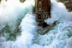 A Man Caught Outside of a Lighthouse During a Huge Storm ...
