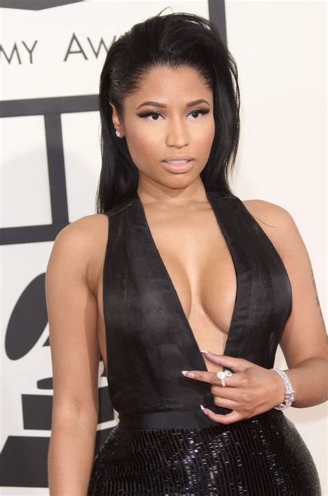 maison de nicki minaj photos grammy awards 2015 gaga vs nicki minaj battle de d 233 collet 233 plongeant
