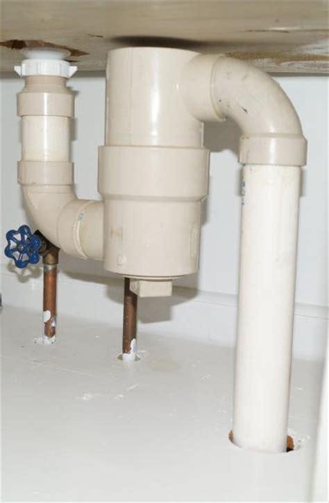 fixing  leaky bathroom faucet doityourselfcom