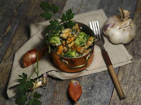 brocolis aux moules persillees recette par epicetout