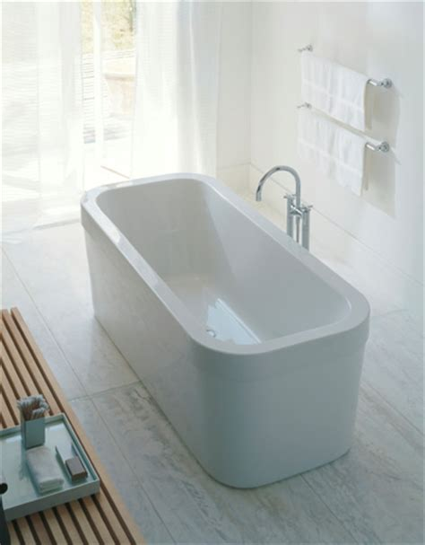 Freistehende Badewanne Die Moderne Badeinrichtungfreistehende Badewanne In Gruen by Freistehende Badewanne Als Blickpunkt Im Modernen Badezimmer