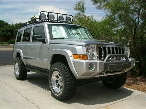 commander jeep lifted jeep commander 4 quot lift with 4 5 quot wheel spacers
