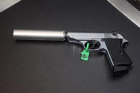 awesome guns   silencerco shot  booth outdoorhub