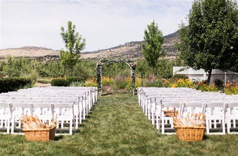 oregons  naturally beautiful wedding venues