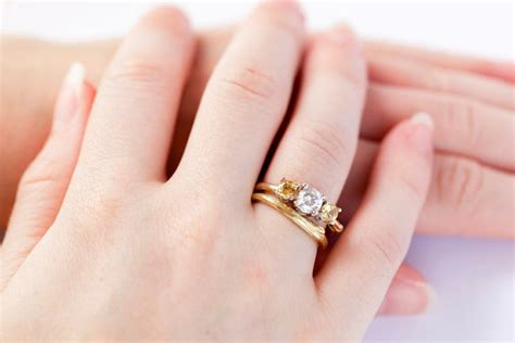 why a wedding ring is worn the fourth finger