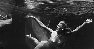 Underwater Photos Feature A Fabulous '50s Stunt Woman ...