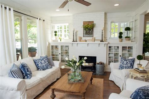 Living Room Decor Fixer by Chip And Jo Prove It Yes You Can Downsize Without Losing