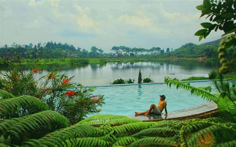wisata danau  rawa gede bogor oktober  travelspromo