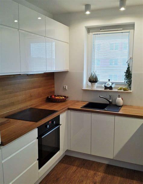 kitchen backsplash designs pictures wei 223 e fronten arbeitsplatte holz unter fenster wohnideen 5029