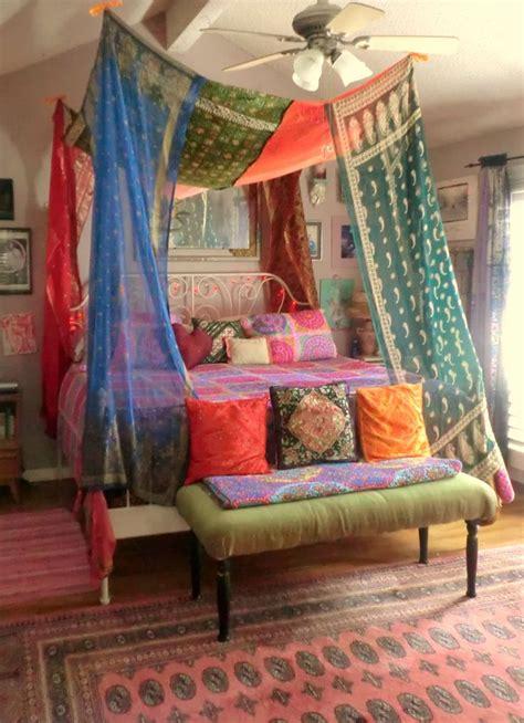 canapé beddinge sewn bed canopies vintage sari 39 s lend
