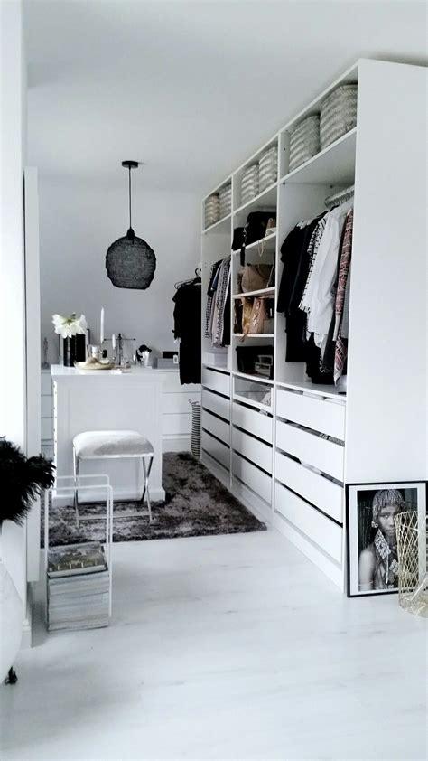 Das Ankleidezimmer Moderne Wohnideenankleideraum In Weiss by Ikea Pax Ankleidezimmer Inspiration Weiss Dressing Room