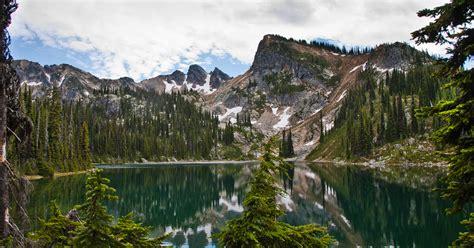 discover  mt revelstoke national park