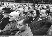 File:Bundesarchiv Bild 183-J03249, Heinrich George bei ...