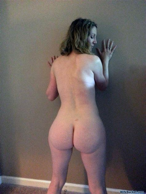 Selfies And Home Porn From A Real Milf