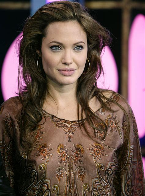 popular celebrity angelina jolie hairstyles ideas