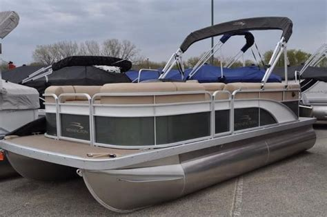 Bennington Pontoon Boats Mn by Bennington New And Used Boats For Sale In Mn