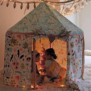 Cabane Enfant Tissu : une cabane d int rieur pour r ver et s vader ~ Teatrodelosmanantiales.com Idées de Décoration
