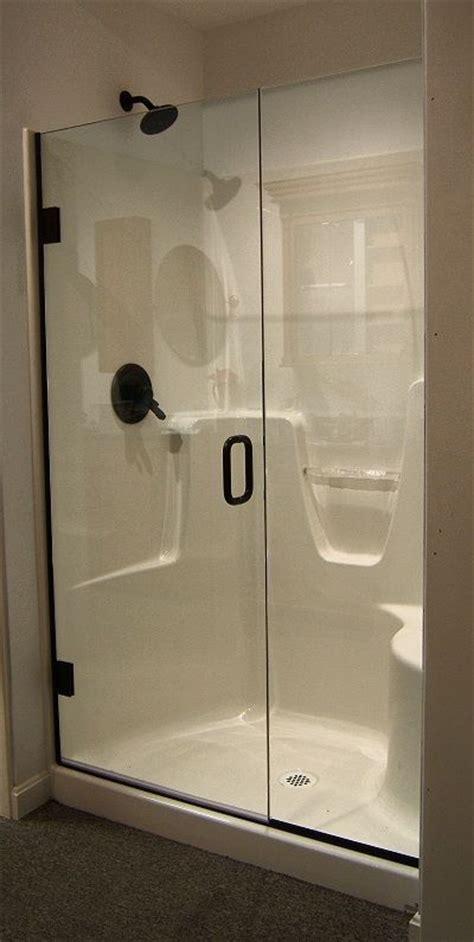 Shower Door For Shower Stall by Best 25 Fiberglass Shower Stalls Ideas On