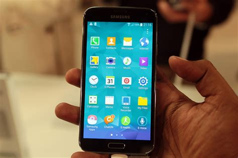 android galaxy s5 samsung galaxy s5 sm g900f receives android 5 0 lollipop