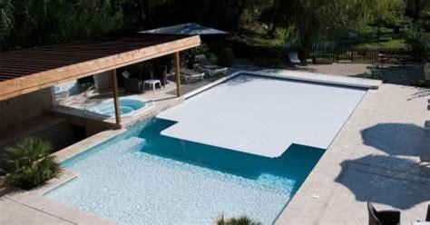 le rideau 233 lectrique de piscine prot 233 ger sa piscine sans