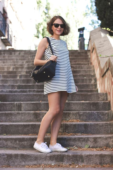 awesome ways  style sneakers  feminine dresses
