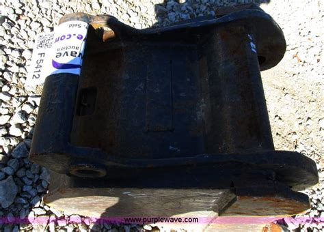bobcat   tooth mini excavator bucket  blue springs mo item  sold purple wave