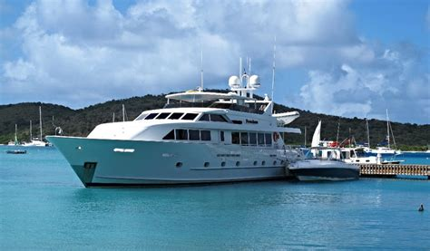 Yacht Freedom by Freedom Crewed Power Yacht Charter Islands
