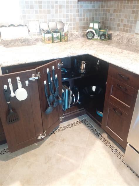 kitchen corner cabinet ideas maximising the kitchen corner cabinet 6601