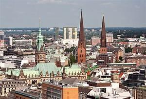 Parkhaus Innenstadt Hamburg : hamburg innenstadt mit den t rmen des rathauses gr nes dach der st petri und st jacobi ~ Orissabook.com Haus und Dekorationen