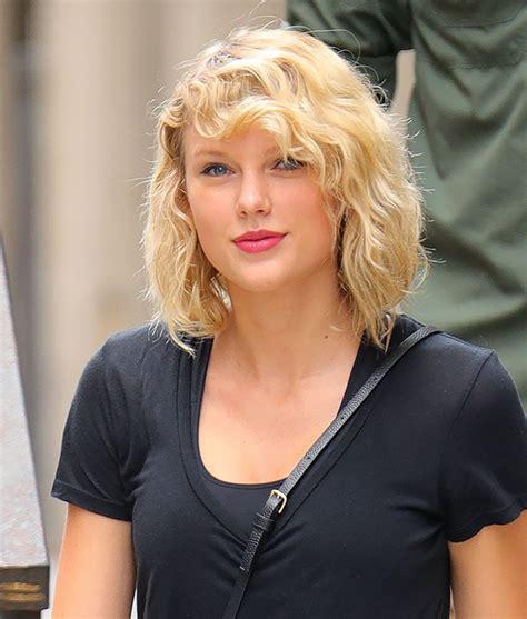 Taylor Swift Street Style - New York City, September 2016 ...