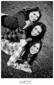 sister pose best friends photography | BFF Photo Ideas ...