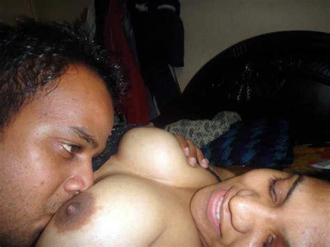 Hot Indian Aunty Boobs Photos Aur Boobs Suck Karne Ke Sexy