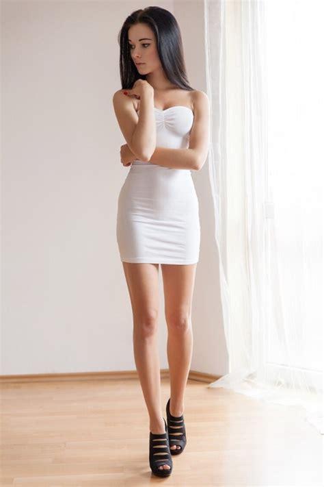 Moda In Beautiful Long Legs