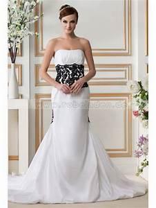 Schwarz Weiß Hochzeitskleid : hochzeitskleid wei schwarz ~ Frokenaadalensverden.com Haus und Dekorationen